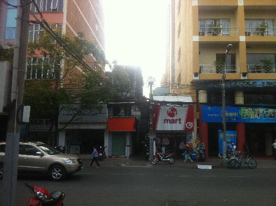 Ngoc Thao Guesthouse : Guest house located down the alley way