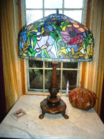 Captain Grant's, 1754: Tiffany lamp