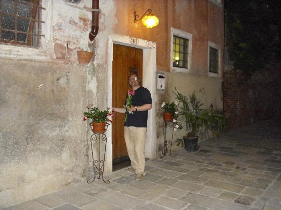 B&B Dorsoduro 461: Front door