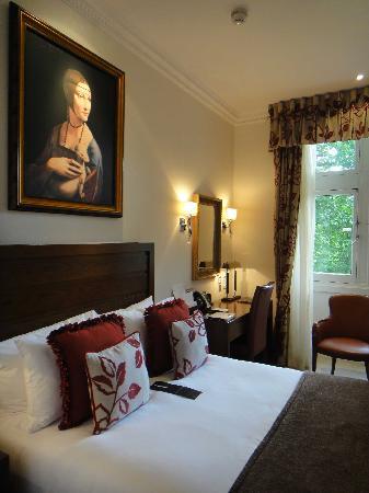 โรงแรม เดอะ รอยัล เฮาส์การ์ด: Bedroom oozed character