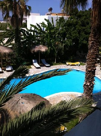 Hotel Galinos: Piscina desde el balcón