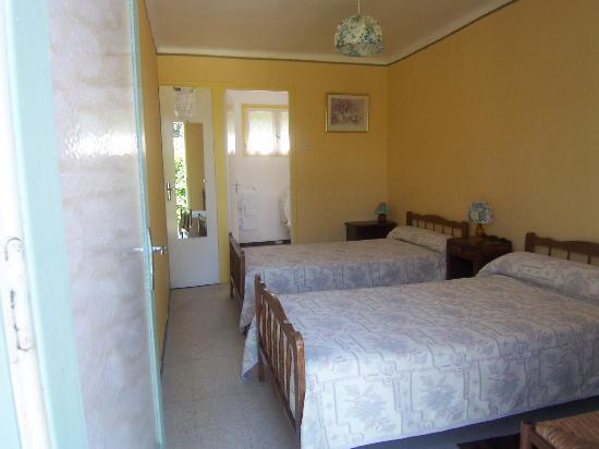 Auberge l'Eglantine: chambre de l'hôtel