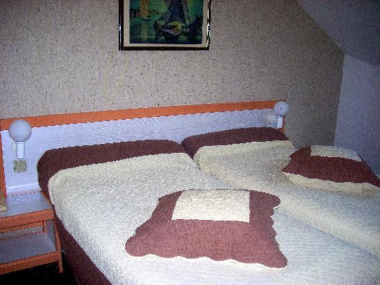 Hotel Paradis : Parte della stanza
