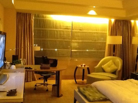 JW Marriott Hotel Beijing: bed area