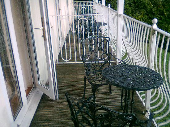Llanwenarth Hotel & Riverside Restaurant: Th Balcony