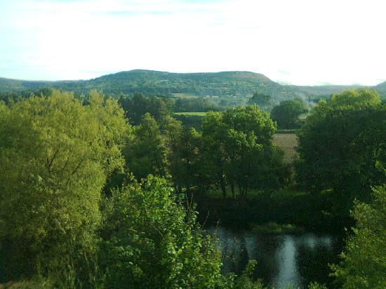Llanwenarth Hotel & Riverside Restaurant: the view