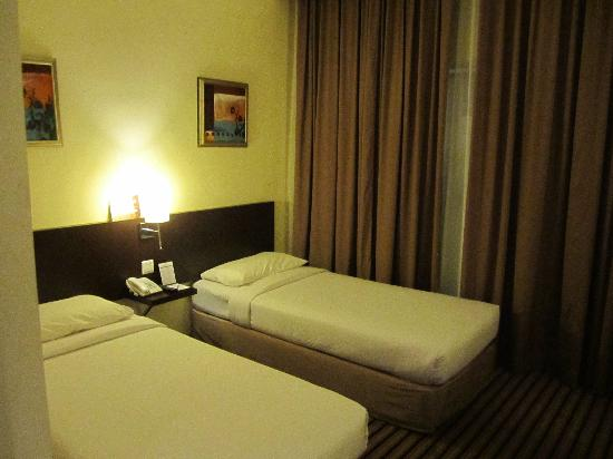 Harmoni One Convention Hotel and Service Apartments: Room view