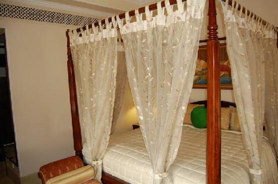 The Shiv Vilas: Room