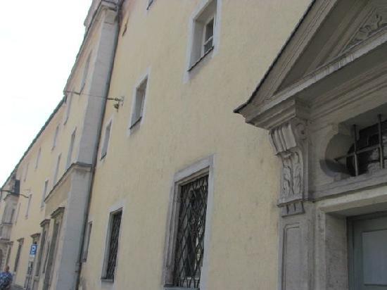 Karmelieten kloster: exterior