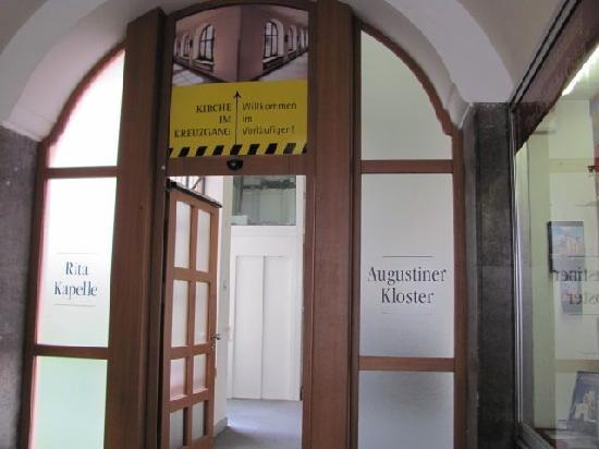 Augustiner Kloster: entrance