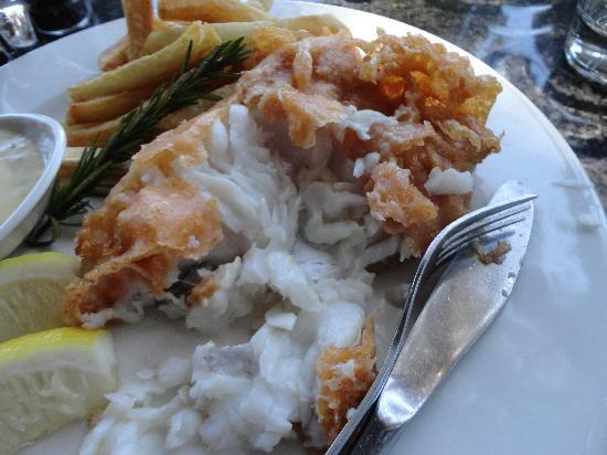 96 Winery Road Restaurant: My Raw Hake & Chips