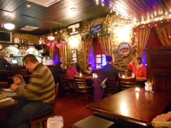 The Corner Stone : Busy with locals even on a Thursday night