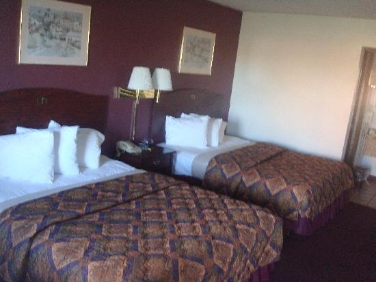Days Inn Stillwater: Two Beds