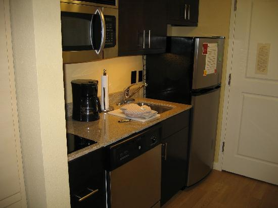 TownePlace Suites Rock Hill: Kitchen Area