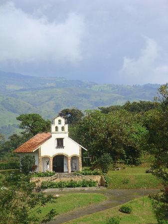 Villa Blanca Cloud Forest Hotel and Nature Reserve: Chapel in the sun