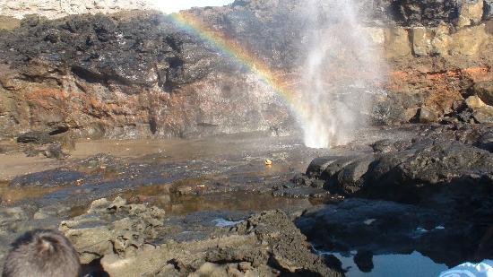 Nakalele Blowhole: awesome place!