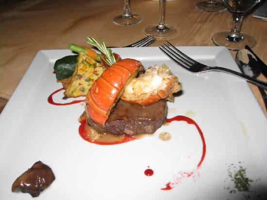 Cozumel Palace: Romantic dinner main course...Yum!