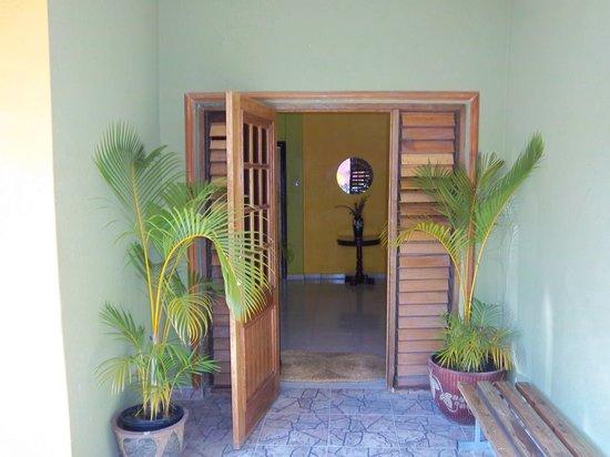Tropical Court Resort: door way