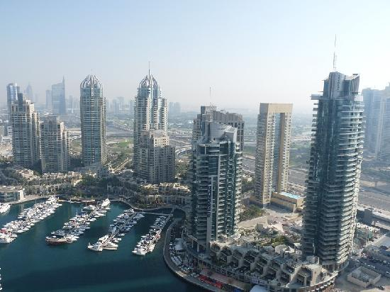 Dusit Residence Dubai Marina : View of the Marina at daytime