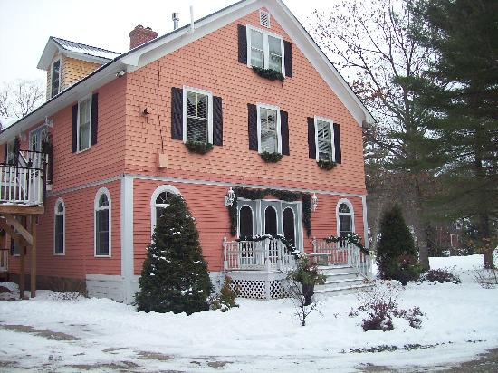 Riverside Inn Bed and Breakfast: Snow for Christmas!