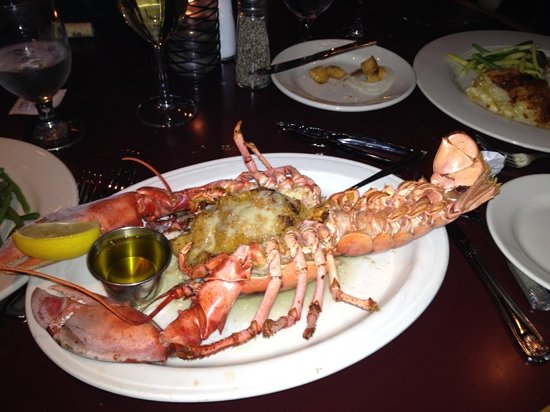 Zoe's Fish House: Broiled crabmeat stuffed lobster