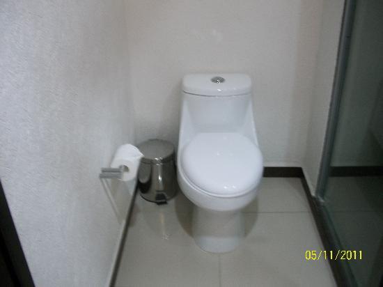 Comfort Inn Cancun Aeropuerto: Baño 2