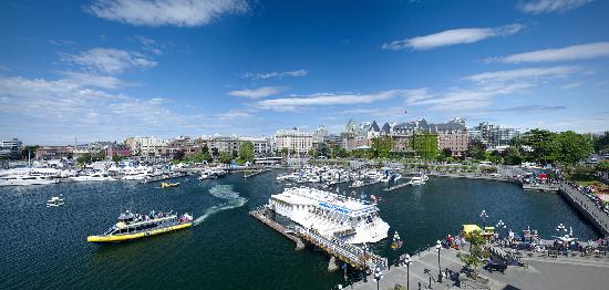 Hotel Grand Pacific: Inner Harbour location