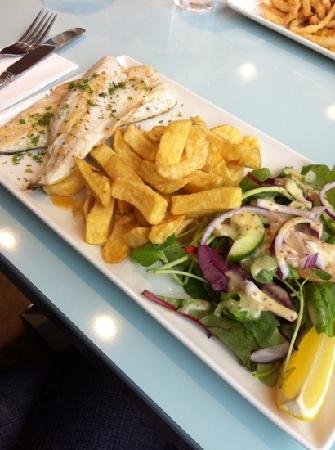 Quinlans Seafood Bar: pan fried seabass