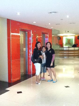 Imperial Hotel: Hotel Lobby