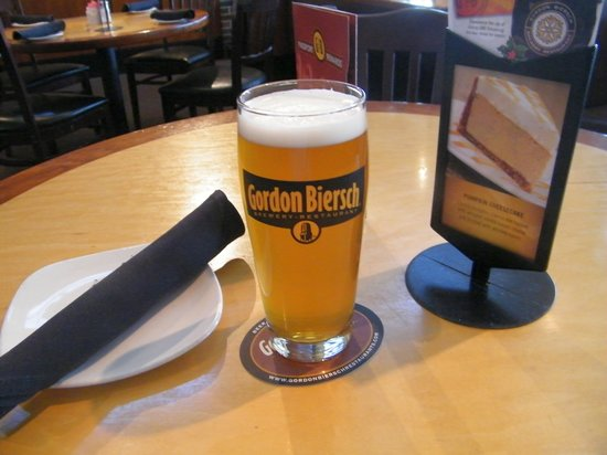 Gordon Biersch Brewery Restaurant : Bier nach Deutscher Brauart. Sehr lecker.