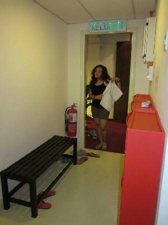 Motel Sayang-Sayang: Hallway