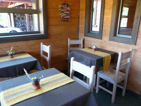 Maison Nomade Eco B&B: Dining room