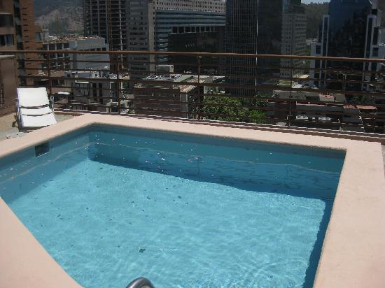 "La Sebastiana Suites: Small outdoor pool on the ""sundeck"""