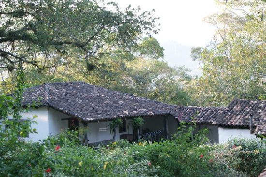 Hacienda San Lucas: Rear view of lodge