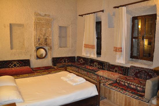 Vineyard Cave Hotel: Comfortable rooms and great decor