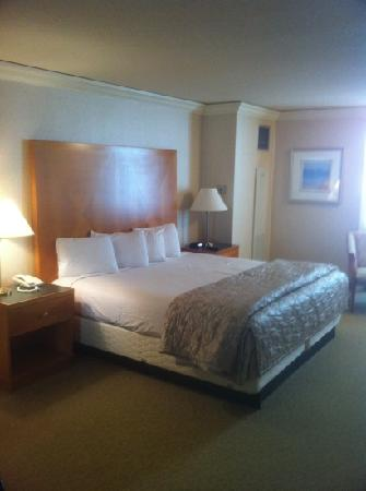 Budgetel Inn & Suites Atlantic City: bedroom
