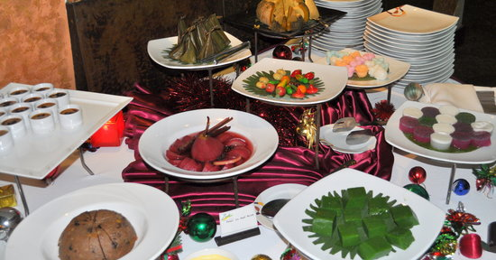 Zico's Brazilian Grill and Bar: Dessert table @Zico's was included in our meal