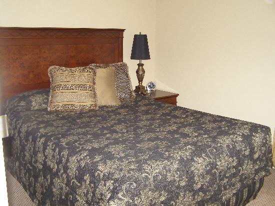 Quality Hotel Powerhouse Armidale: Main Bedroom