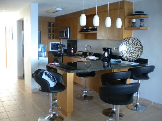 Miramar Condominiums Cozumel: Miramar Condo #404 Kitchen