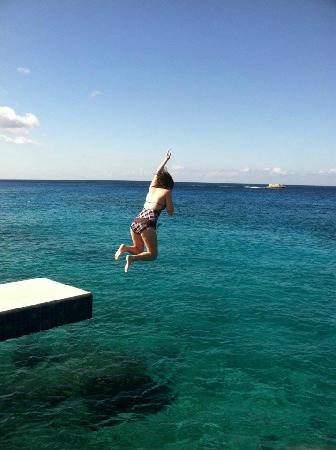 Miramar Condominiums Cozumel: Jumping Into Ocean From Miramar Pool Area