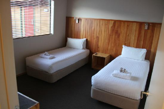 Waitomo Lodge: Second bedroom