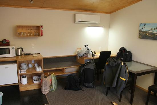 Waitomo Lodge: Living area