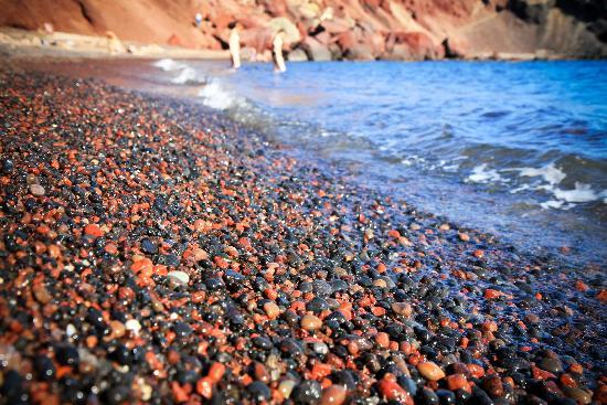 เรดบีช: Pebble beach instead of sand