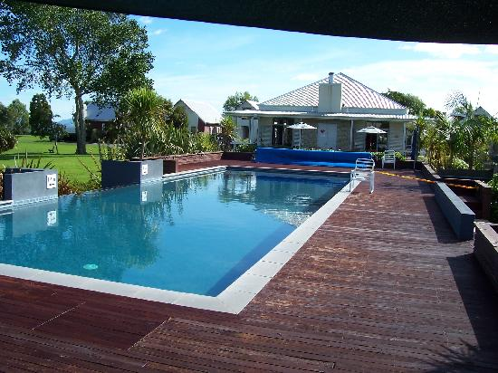 Ramada Resort Rotorua Marama: The pool