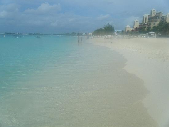 The Ritz-Carlton, Grand Cayman: spiaggia 2