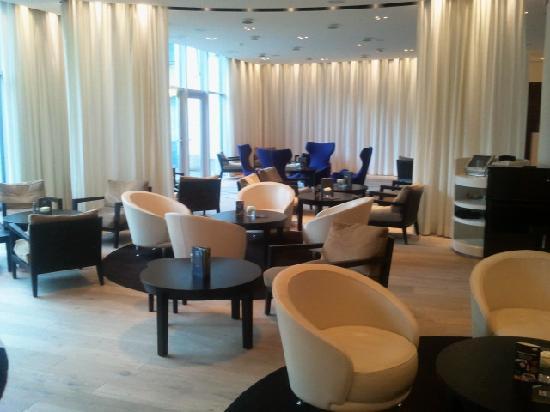 Parkhotel Zug: Le lobby