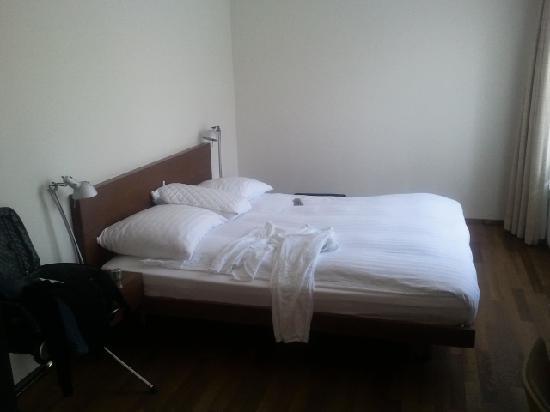 Parkhotel Zug: La chambre - suite