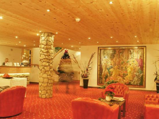San Gian Hotel: La sala.