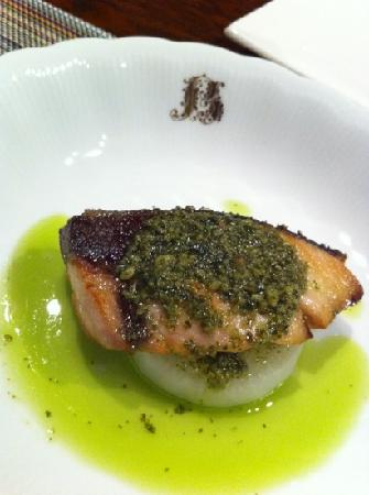 Pension Eternal Flame: yellowtail with basil sauce