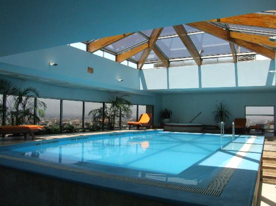 Radisson pool picture of nh collection plaza santiago for Piscina hotel w santiago